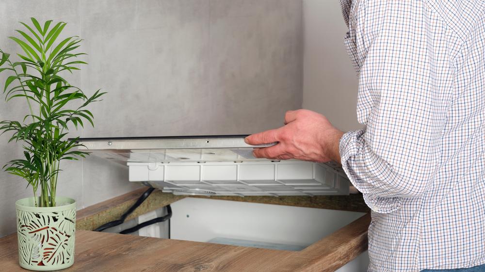 plan-de-travail-coupé-pour-plaque-de-cuisson-induction
